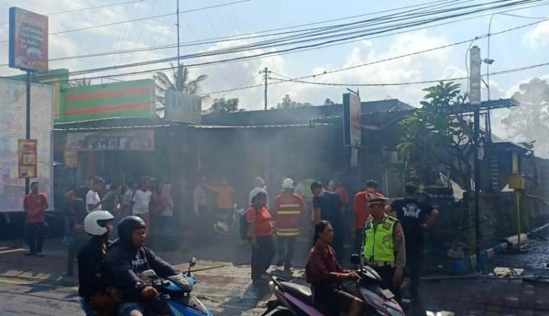 www.nusabali.com-warung-makan-pak-kumis-terbakar