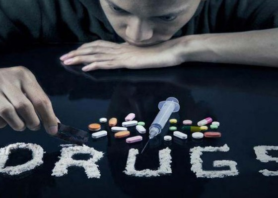 Nusabali.com - tersangkut-narkoba-oknum-pns-diberhentikan-sementara