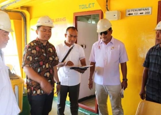 Nusabali.com - tim-cek-kapal-roro-masuk-dock