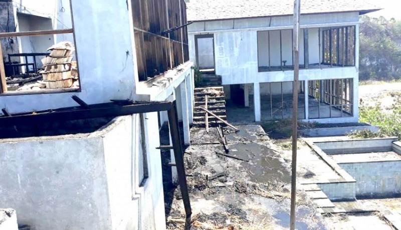 www.nusabali.com-baru-dibangun-vila-ludes-dilalap-api