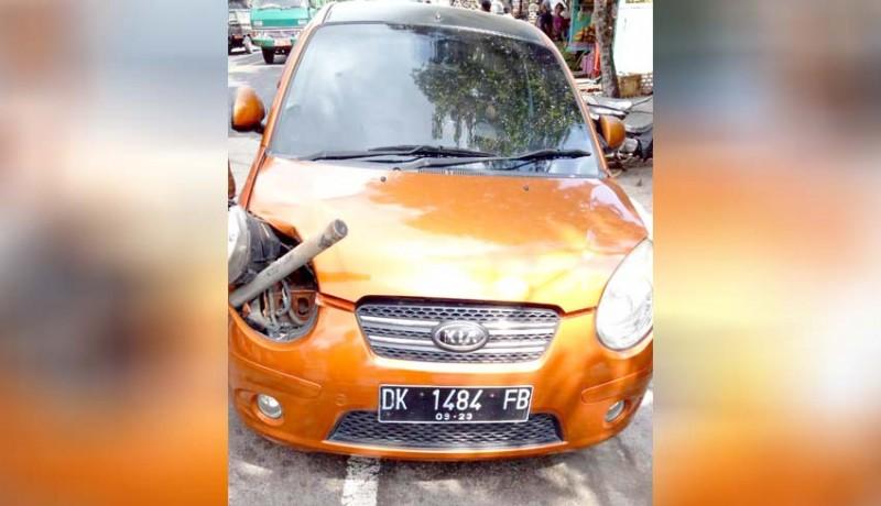 www.nusabali.com-kecelakaan-beruntun-libatkan-tiga-mobil