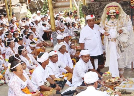 Nusabali.com - antara-ngayah-dan-lestarikan-tradisi