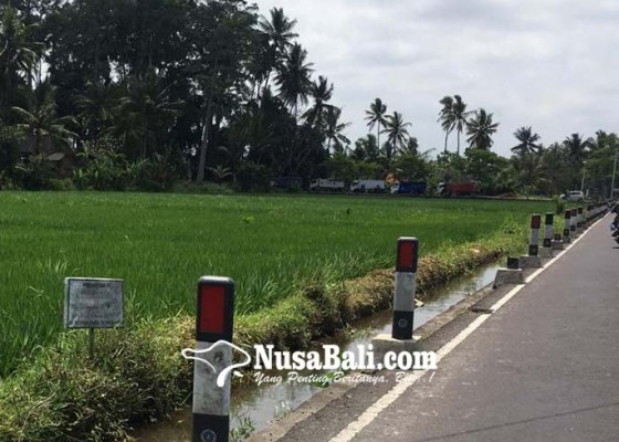 Nusabali.com - delineator-di-penarungan-banyak-rusak