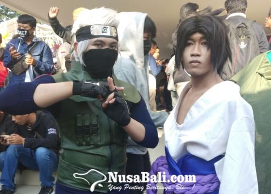 Nusabali.com - serunya-aksi-cosplayer-di-jfest-stikom-bali