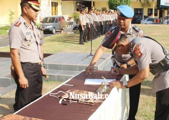 Nusabali.com - empat-perwira-polres-buleleng-digeser