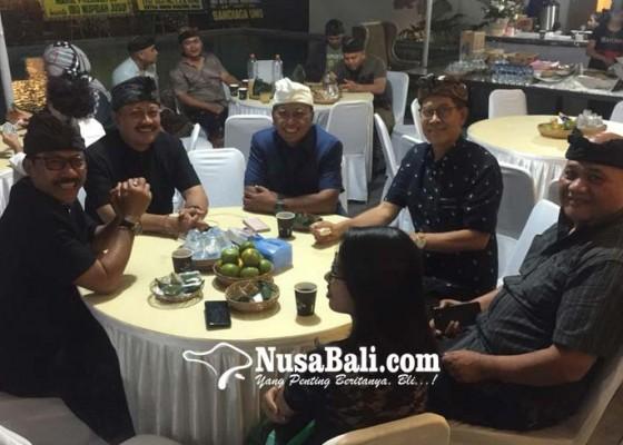Nusabali.com - berseteru-gunawan-tetap-majenukan-ke-rumah-demer