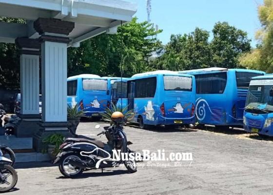 Nusabali.com - mangkrak-bus-trans-sarbagita-dilelang