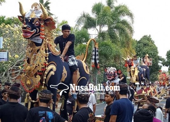 Nusabali.com - krama-dentiyis-gelar-ngaben-ngerit-3-tahun-sekali