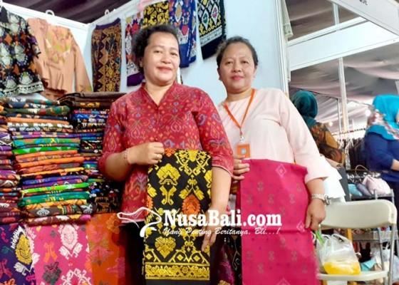 Nusabali.com - ukm-bali-pasarkan-produk-di-jambore-pkk