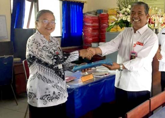 Nusabali.com - tingkatkan-budaya-literasi-smp-ikut-lomba-perpustakaan