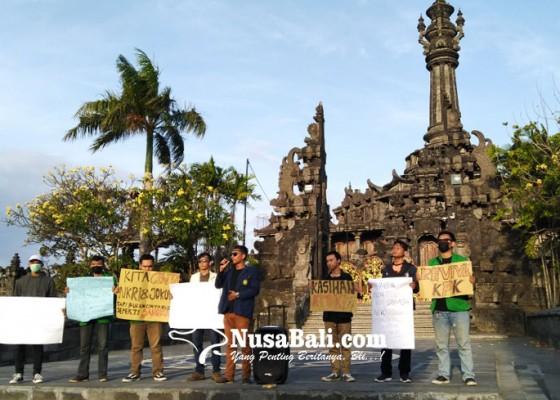 Nusabali.com - forum-mahasiswa-bali-doakan-korban-demonstrasi-di-kendari