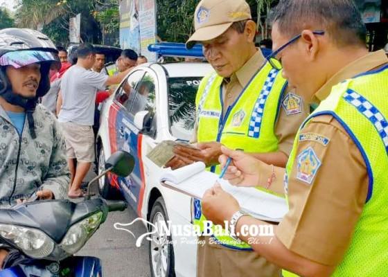 Nusabali.com - razia-pajak-kendaraan-119-pelanggar-terjaring
