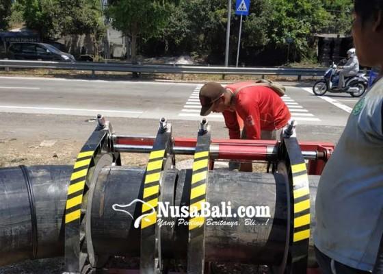 Nusabali.com - pelanggan-keluhkan-pasokan-air-pdam