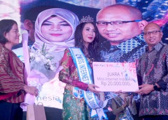 Nusabali.com - staf-humas-pemkot-denpasar-jadi-miss-internet-indonesia-2019