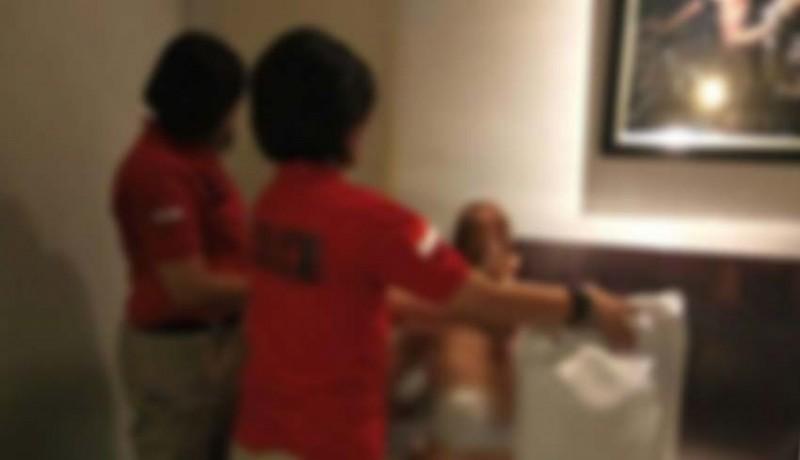 www.nusabali.com-polisi-gerebek-istri-bermesraan-dengan-dokter