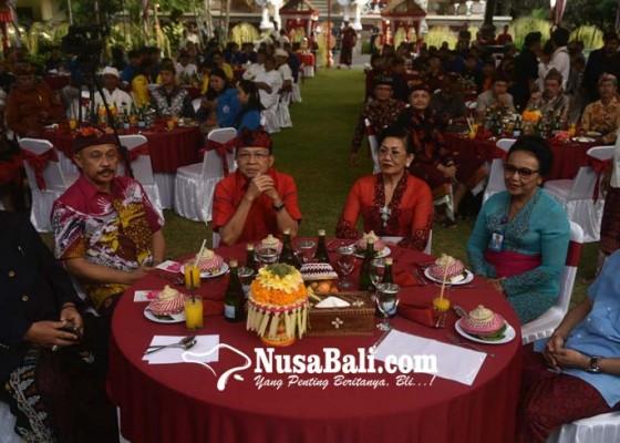 Nusabali.com - koster-ajak-mahasiswa-jaga-bali