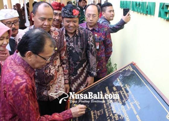 Nusabali.com - gubernur-targetkan-semua-rs-di-bali-miliki-layanan-kesehatan-tradisional