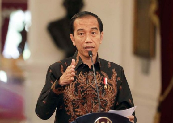 Nusabali.com - jokowi-ingin-batik-jadi-muatan-lokal-di-sekolah