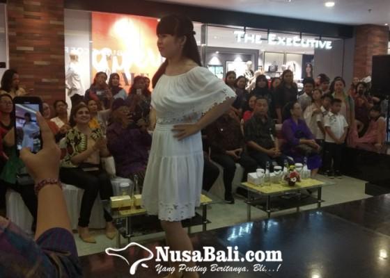 Nusabali.com - salut-siswa-autis-ikuti-fashion-show