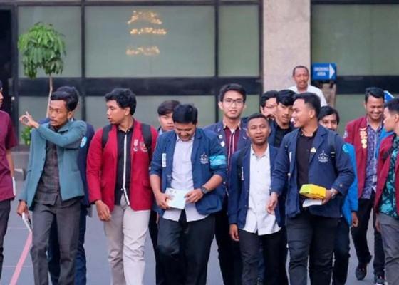 Nusabali.com - mahasiswa-deadline-jokowi