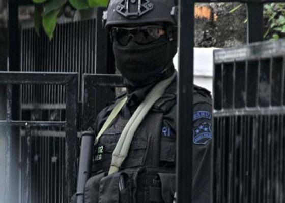 Nusabali.com - polwan-yang-ditangkap-berafiliasi-ke-isis
