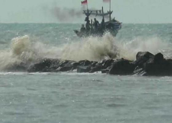 Nusabali.com - bbmkg-keluarkan-warning-nelayan-tetap-melaut