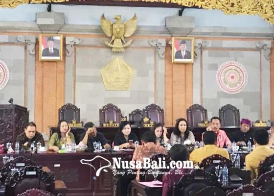 Nusabali.com - banyak-nik-ganda-dprd-panggil-bpjs