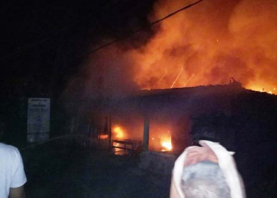 Nusabali.com - kebakaran-di-desa-pengulon-telan-setengah-miliar-rupiah