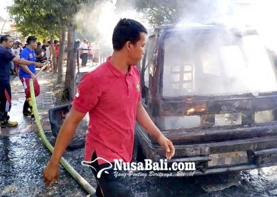 Nusabali.com - diduga-korsleting-angkot-ludes-terbakar