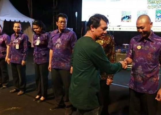 Nusabali.com - bupati-suwirta-launching-perizinan-satu-pintu-online