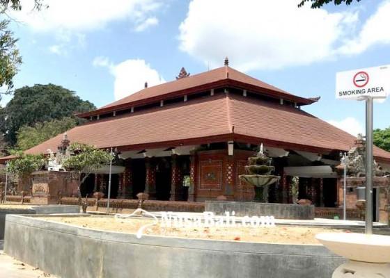Nusabali.com - dinas-lh-tabanan-sediakan-asbak-jumbo-di-fasilitas-umum