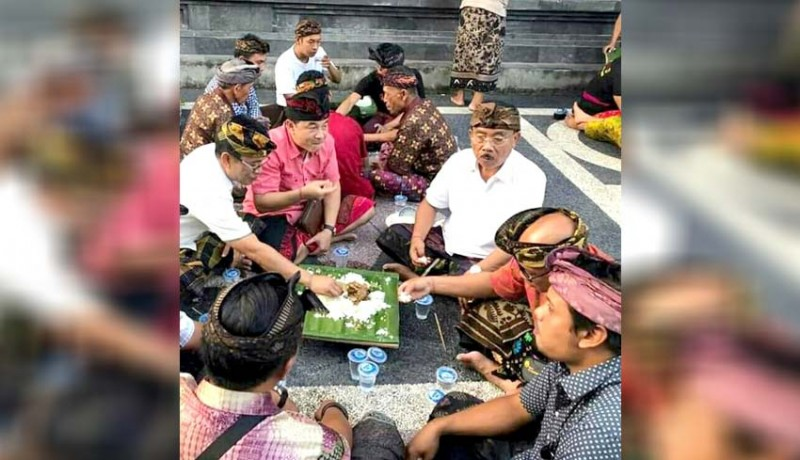 www.nusabali.com-gede-dana-sumardi-magibung-di-rumah-geredeg
