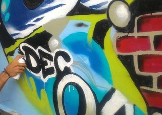 Nusabali.com - seni-mural-mulai-hiasi-ubud