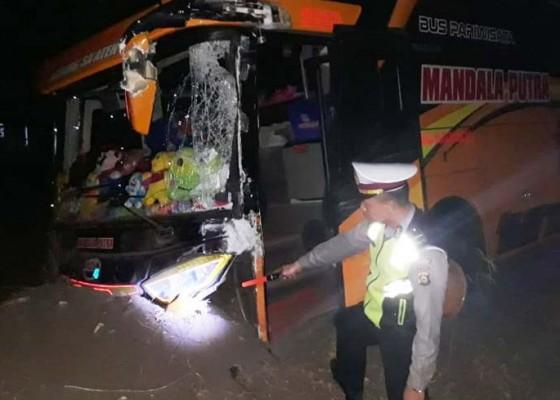Nusabali.com - bus-vs-truk-1-korban-luka-robek-di-kepala