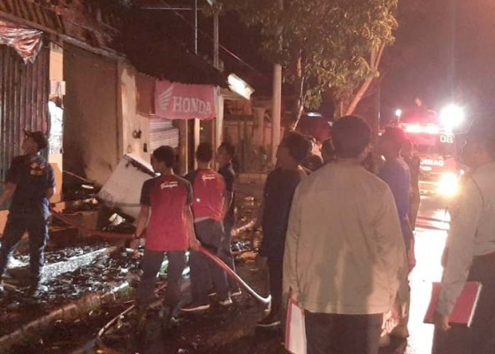 Nusabali.com - toko-sembako-terbakar-dini-hari