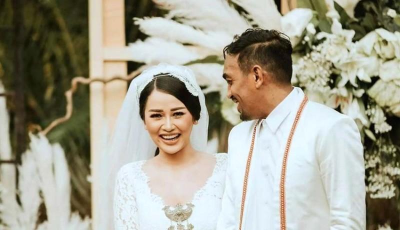 www.nusabali.com-glenn-fredly-isyaratkan-sang-istri-hamil