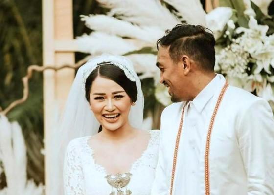 Nusabali.com - glenn-fredly-isyaratkan-sang-istri-hamil