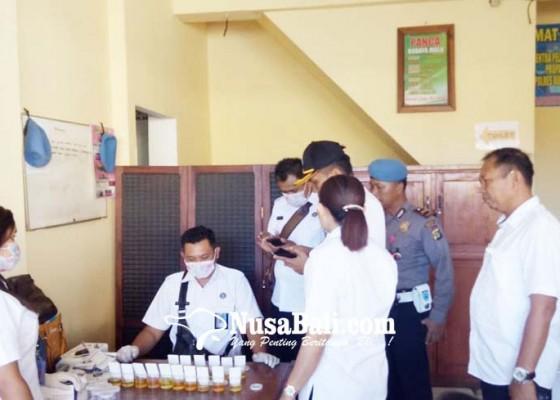 Nusabali.com - personel-polres-buleleng-dites-urine