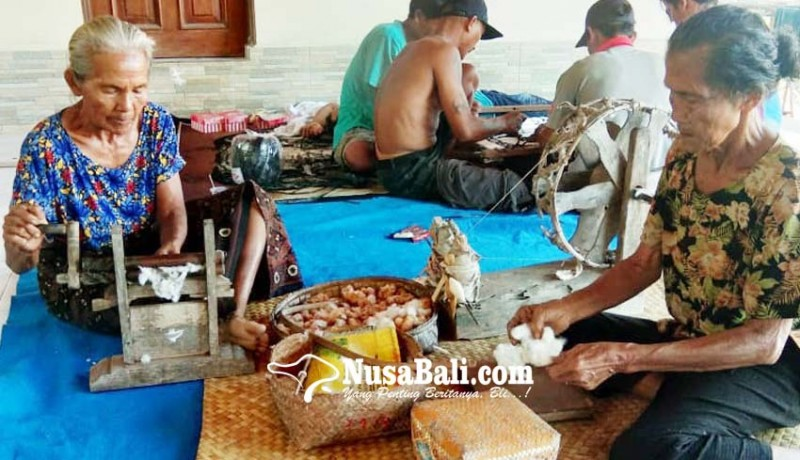 www.nusabali.com-perajin-berharap-bisnis-tenun-tradisional-meningkat
