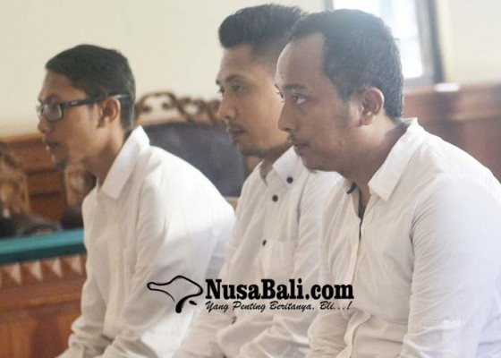 Nusabali.com - selundupkan-benih-lobster-3-staf-air-asia-disidang
