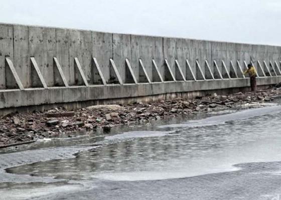 Nusabali.com - 171-meter-tanggul-di-nusa-penida-telan-anggaran-rp-13-m-lebih