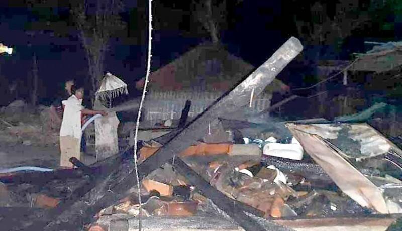www.nusabali.com-rumah-balian-terbakar-benda-bertuah-hangus