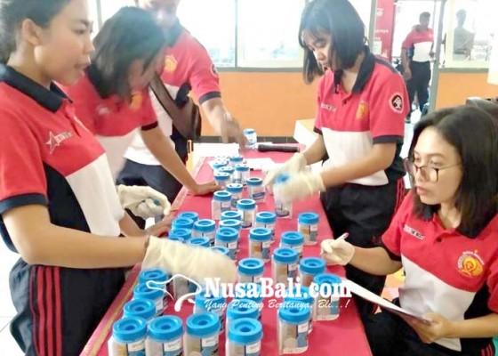 Nusabali.com - dites-urine-satu-petugas-rutan-pakai-obat-penenang