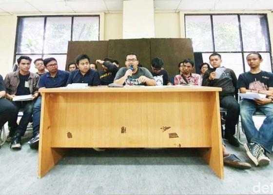 Nusabali.com - mahasiswa-minta-jokowi-bebas-tugaskan-wiranto