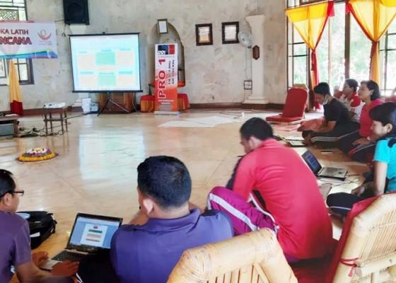 Nusabali.com - rawan-bencana-guru-di-tejakula-dilatih-palang-merah