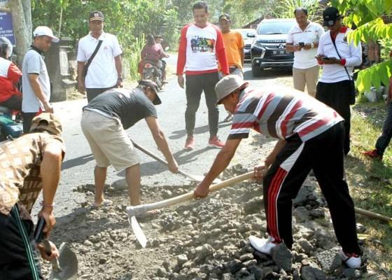 Nusabali.com - kekurangan-dana-jalan-rusak-ditambal-beton