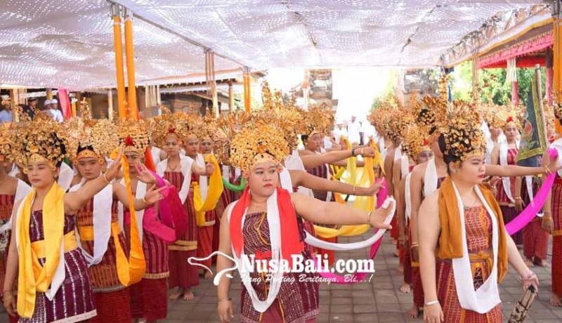www.nusabali.com-pawisik-dari-lempuyang-desa-asak-gelar-usaba-sambah
