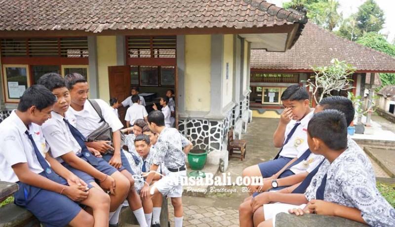 www.nusabali.com-rencana-guru-honor-digaji-rp-2-juta-lebih