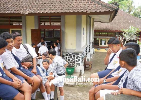 Nusabali.com - rencana-guru-honor-digaji-rp-2-juta-lebih