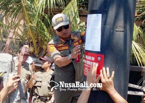 Nusabali.com - satpol-pp-berangus-reklame-tanpa-izin-di-kutsel